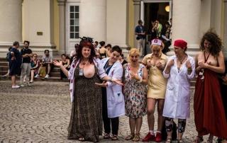 Free Sidewalk SexClinic